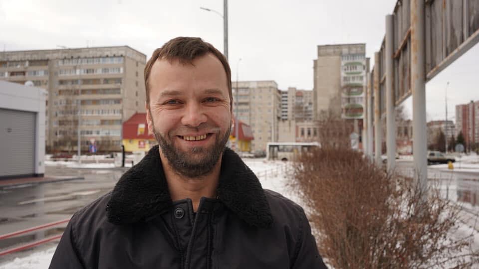 Нури Примов вышел на свободу. Его встречу с адвокатом и активистами снимали  журналисты телеканала «Россия24» - QHA Crimean News