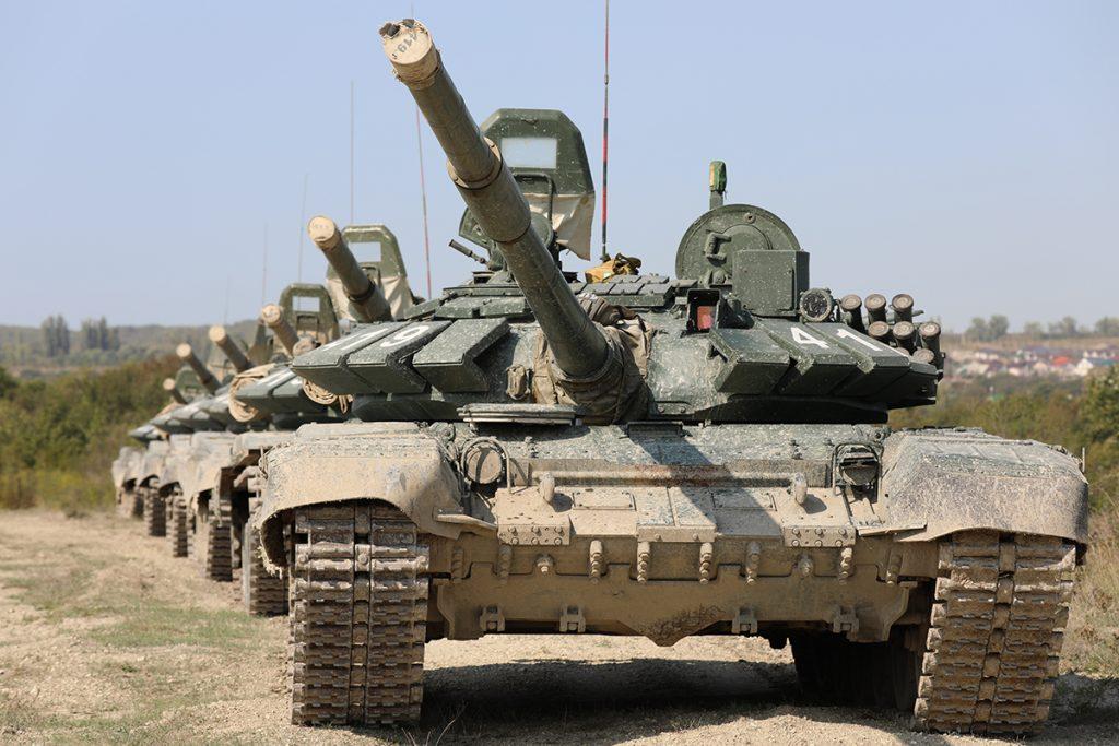 РФ перекидає танки до Криму